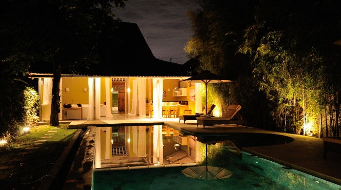 villa-adagian-night-ambiance