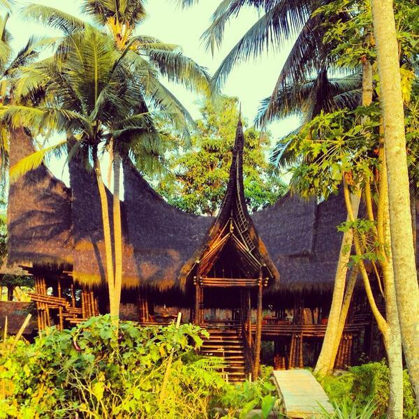 bamboo house via The Eco Gypsy