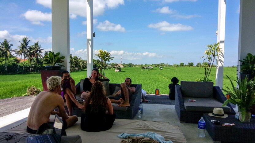 tourists stay in house in Canggu photo by iamMariza