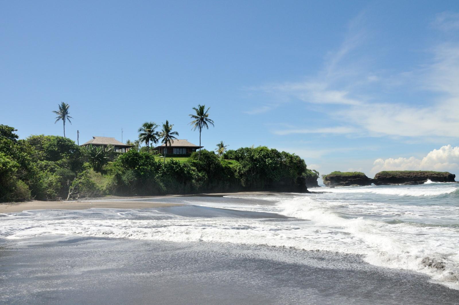 Discreet luxury wild beach bulung daya bali