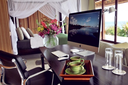 Bulung-Daya-int-deco-Main-bedroom-office-4Small