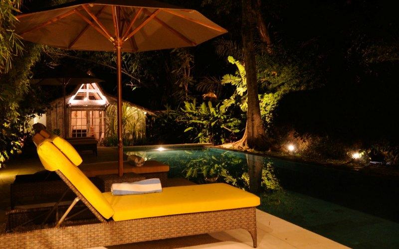 Night_ambience_in_villa_bali