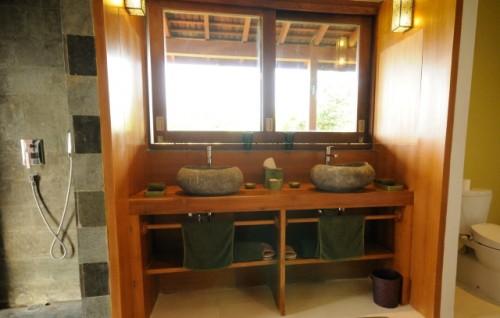 bali-villa-bathroom-design
