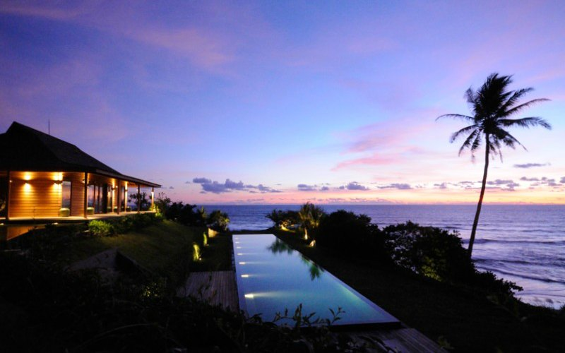 luxury-vacation-rentals-bali_night_pool