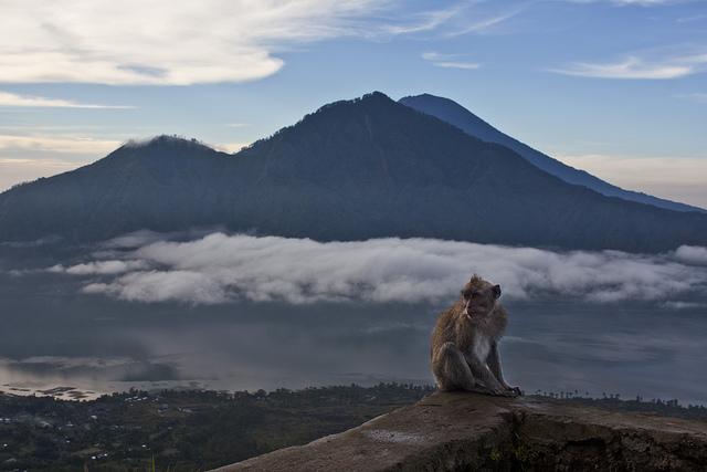 Gunung Agung from Mount Batur | © Martin Garrido/Flickr