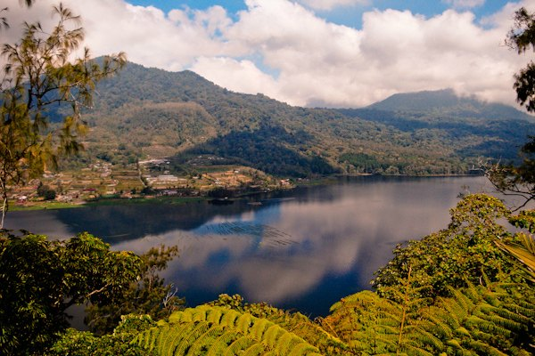 Lake_Tamblingan_Bali